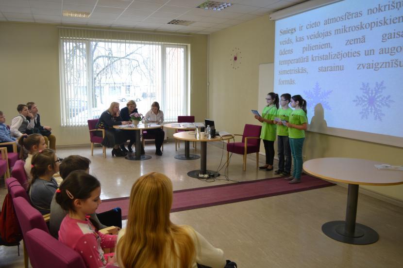 """Jauno vides pētnieku forums """"Skolēni eksperimentē!"""""""