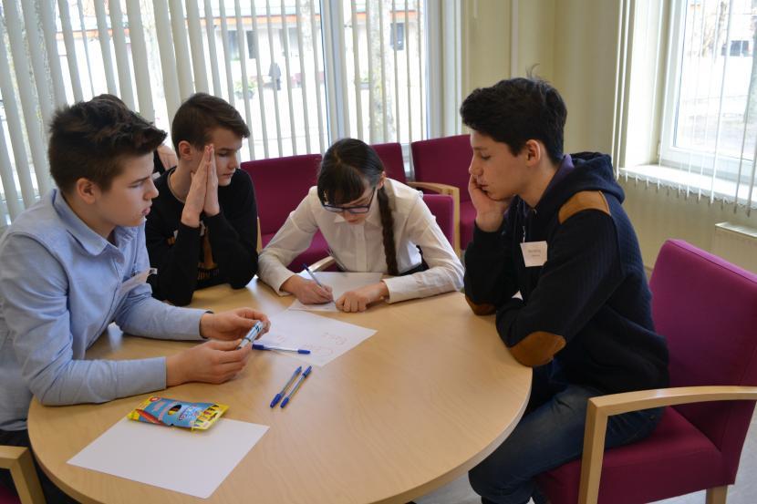 Angļu valodas olimpiāde – konkurss Jelgavas un Šauļu pilsētu  8. klases skolēniem