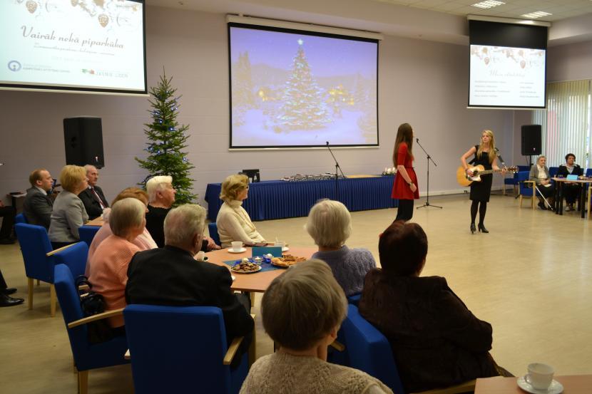 """Ziemassvētku pasākums skolotājiem - senioriem """"Vairāk nekā piparkūka"""""""