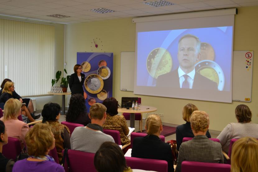 """Seminārs pedagogiem """"No lata uz eiro – praktiskie aspekti"""""""