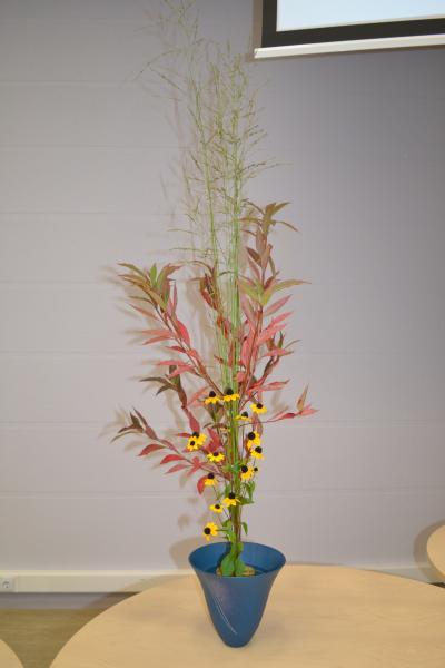 Japānas ziedu kārtošanas mākslas - ikebanas demonstrējumi