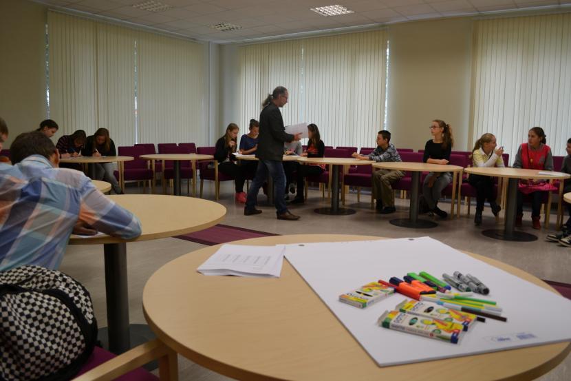 Junioru universitātes pirmā nodarbība jaunajā mācību gadā
