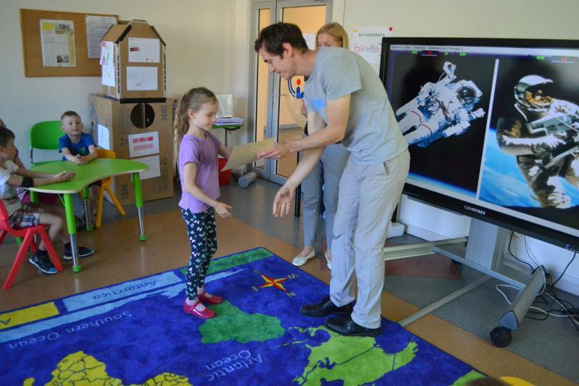 FasTracKids mācību gads noslēdzas ar astronomijas nodarbību