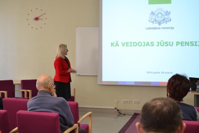 Uzņēmējiem – par ekonomisko situāciju Latvijā, akciju tirgiem un pensijas jautājumiem